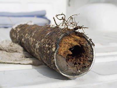Egout bouche 400x300 - Comment déboucher une canalisation d'égout