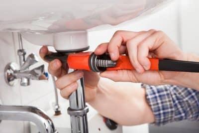 depannage plombier plomberie 16 400x267 - Service plombier Genval (1332) qualifié pour travaux en plomberie et sanitaires en urgence