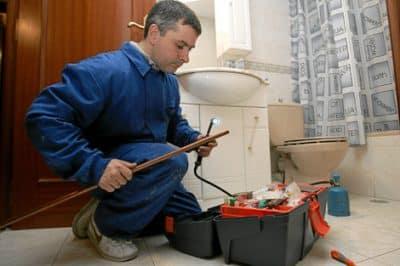 depannage plombier plomberie 19 400x266 - Société plombier Ottignies Louvain la Neuve (Brabant Wallon) agréé pour réparation de sanitaires et plomberie rapide