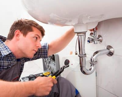 depannage plombier plomberie 47 400x317 - Entreprise plombier Genappe (Brabant Wallon) qualifié pour réparation en sanitaires et plomberie express