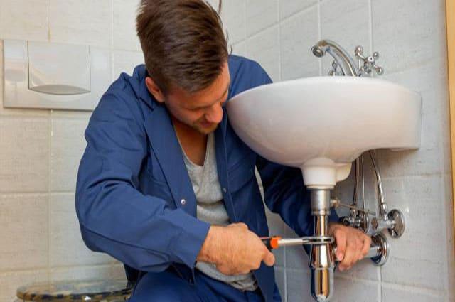 depannage plombier plomberie reparation canalisation fuite eau 102 150x150 - dépannage plomberie Laeken chez vous en 1h