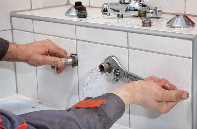 depannage plombier plomberie reparation canalisation fuite eau 98 150x150 - plombier urgence Molenbeek chez vous en 1h