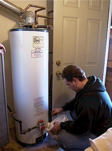 entretien chauffe eau thermodynamique 297x400 - Intervention rapide pour un entretien chauffe eau à Bruxelles